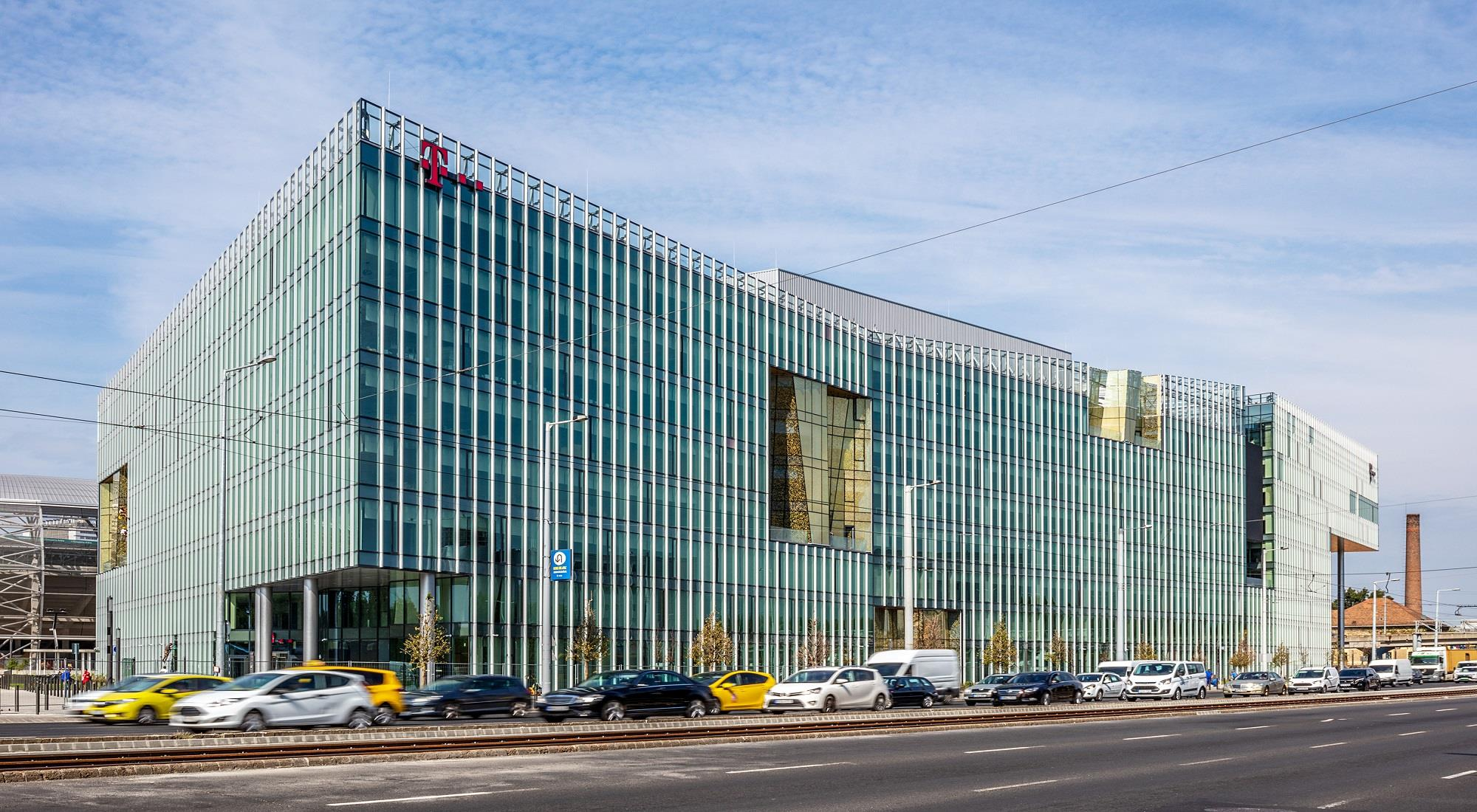 https://alukoenigstahl.md/wp-content/uploads/sites/4/2020/09/Telekom1.jpg